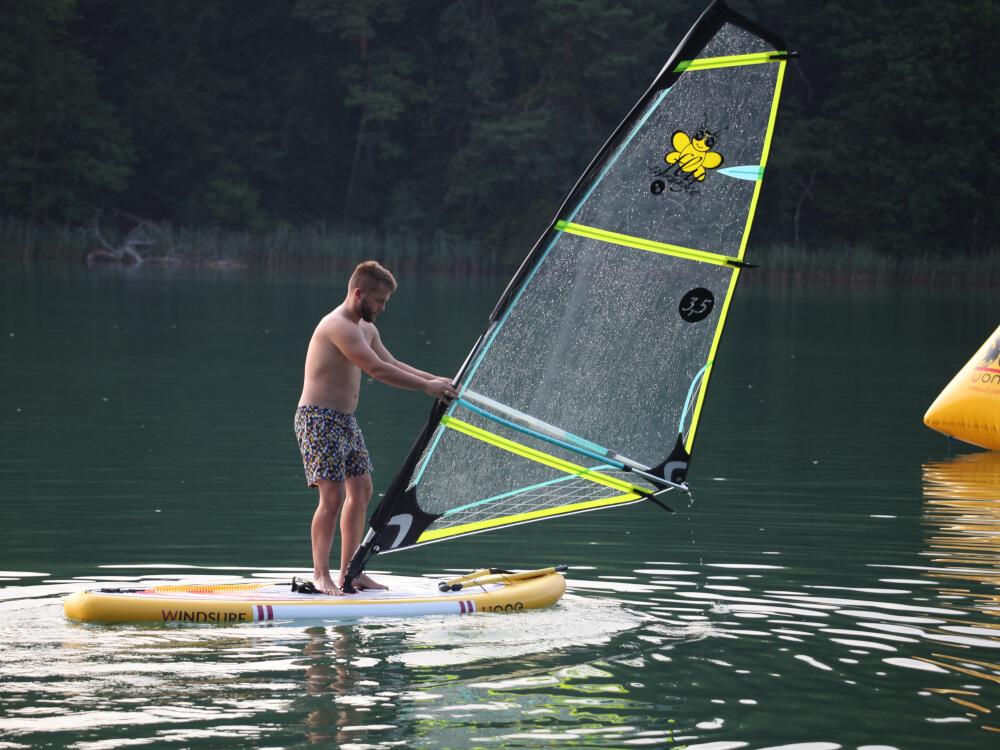 Deska windsurf z pędnikiem