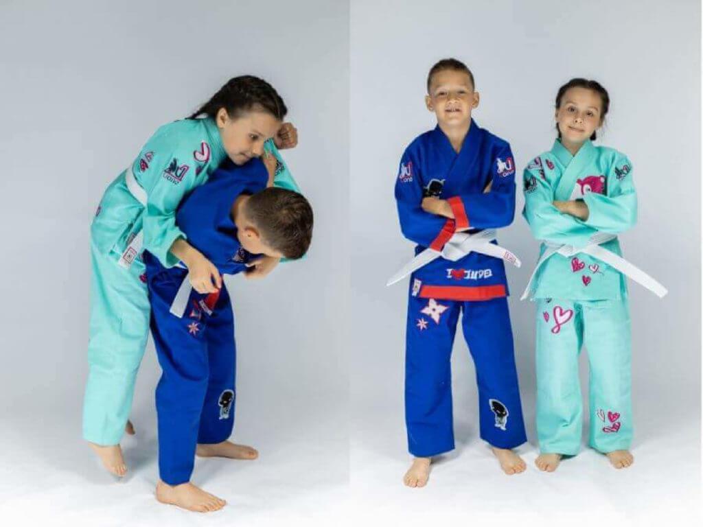 Niebieskie i turkusowe judogi dla dzieci